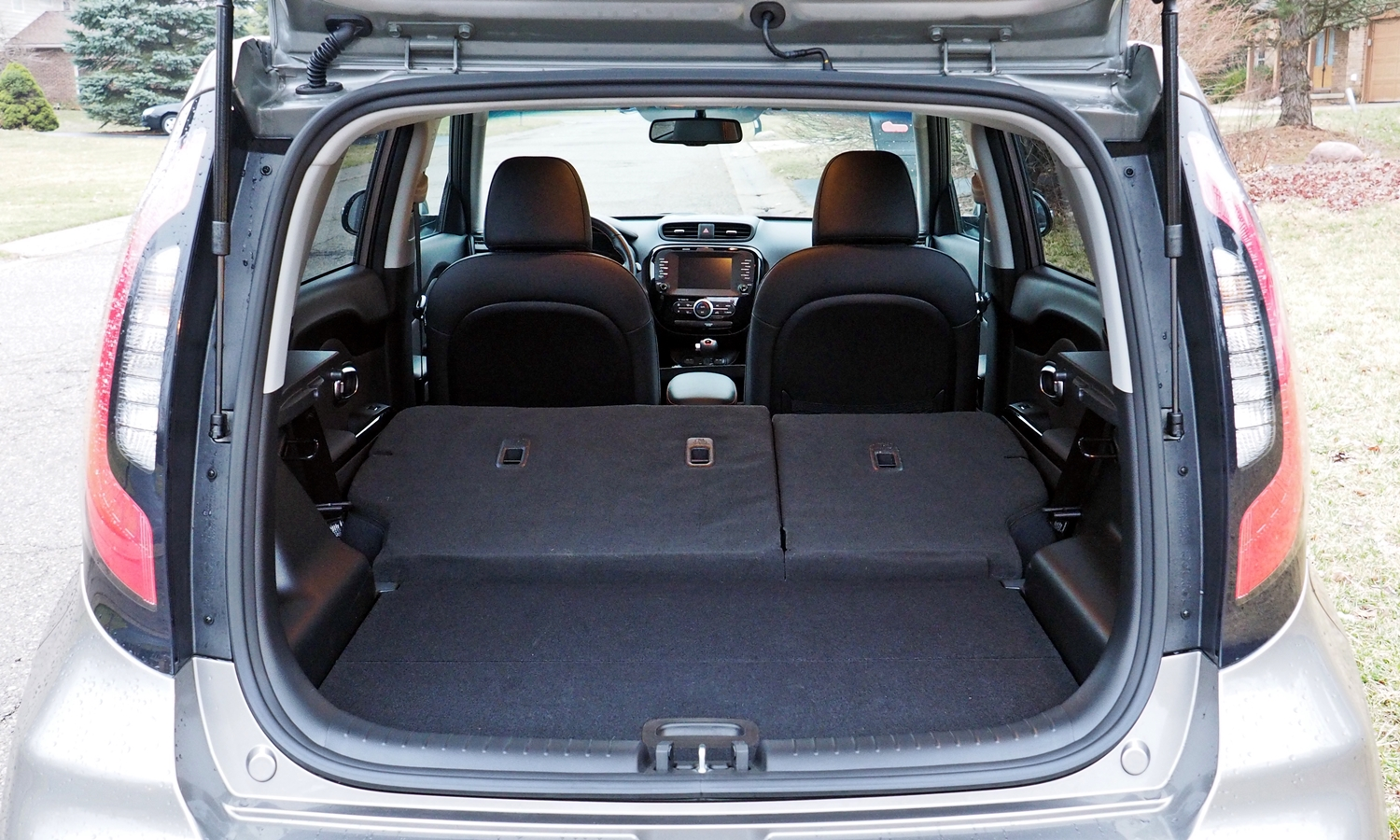 Kia Soul Photos: 2017 Kia Soul ! cargo area seat folded