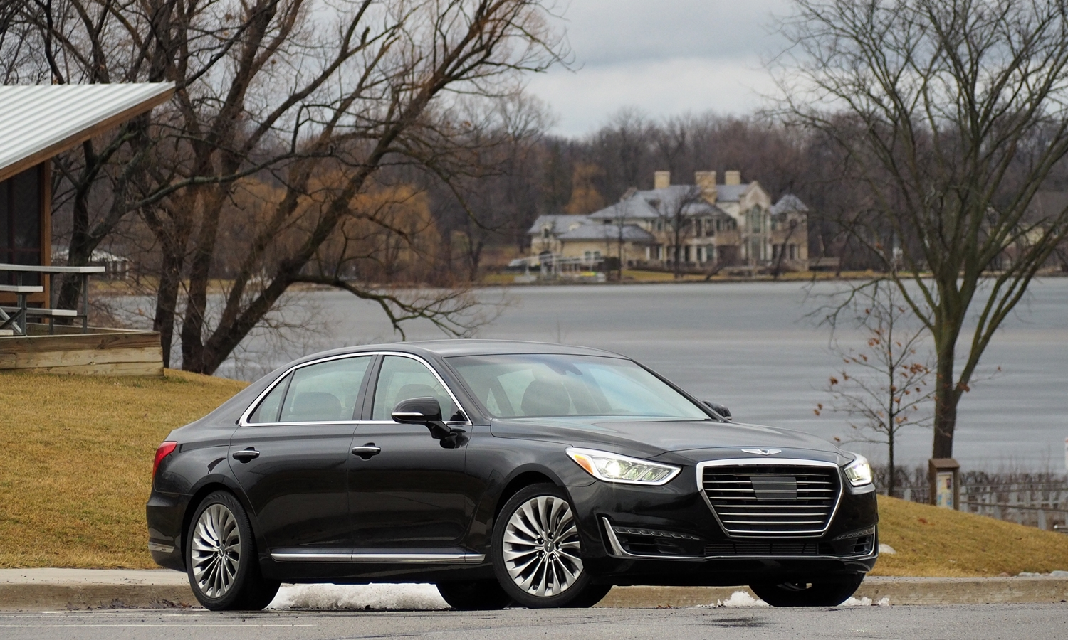Genesis G90 Photos: 2017 Genesis G90 front quarter view