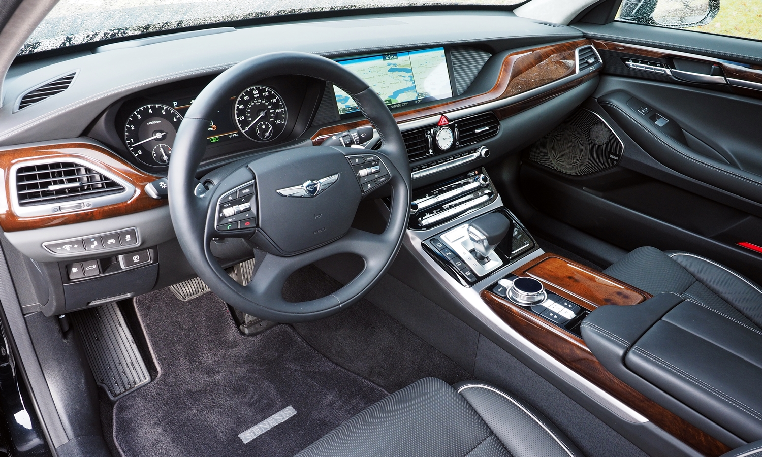 2017 genesis g90 pros and cons at truedelta 2017 genesis g90 review by michael karesh. Black Bedroom Furniture Sets. Home Design Ideas