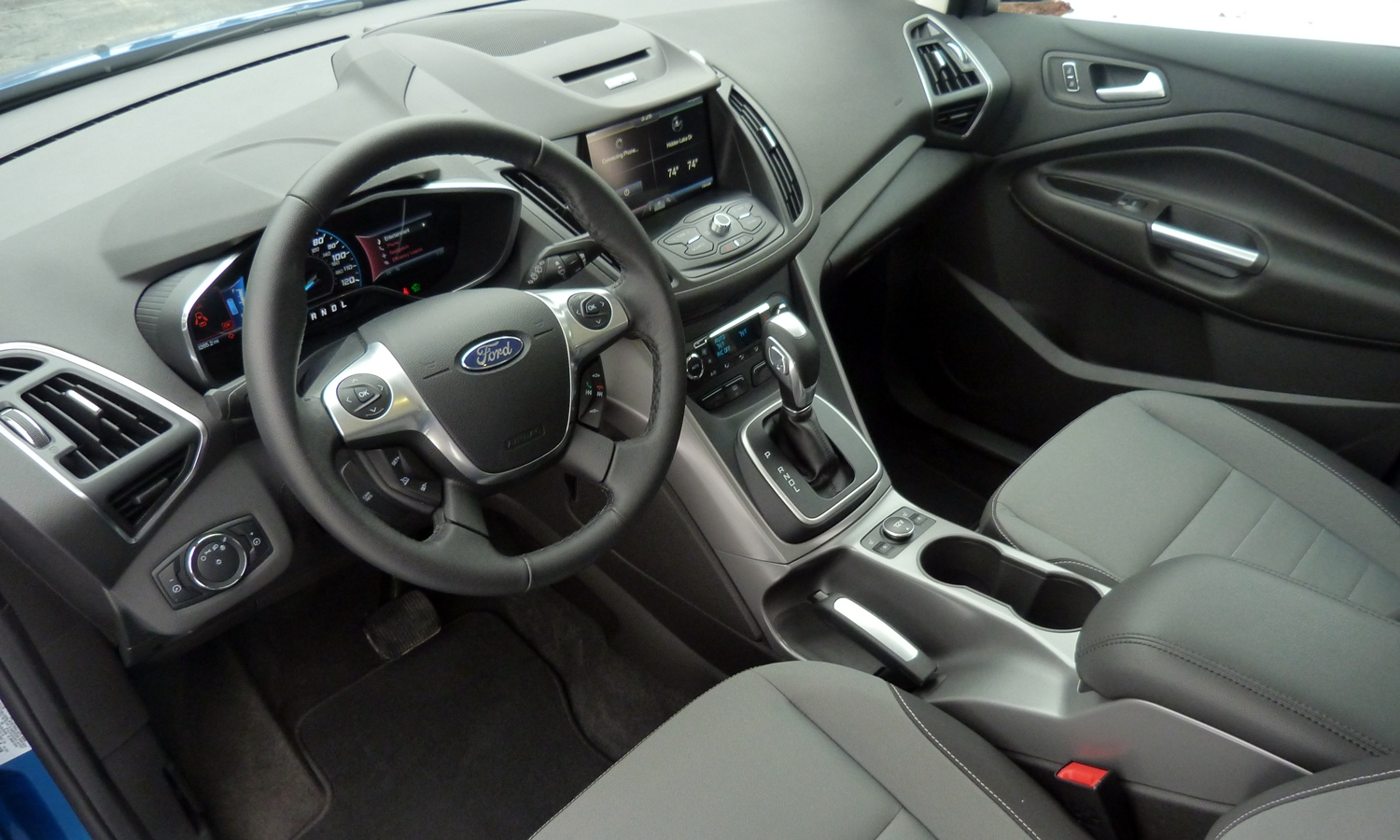 Kia Niro Photos: 2013 Ford C-MAX interior