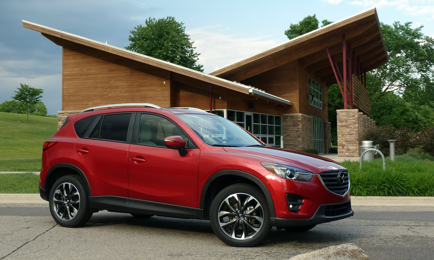 Mazda CX-5 Photos: 2016 Mazda CX-5 front quarter view