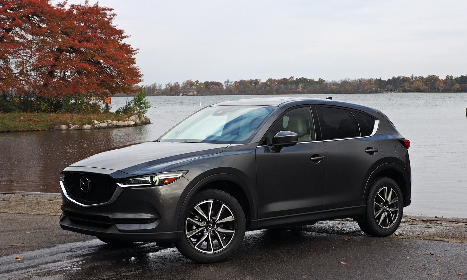 2017 Mazda CX-5 front quarter view