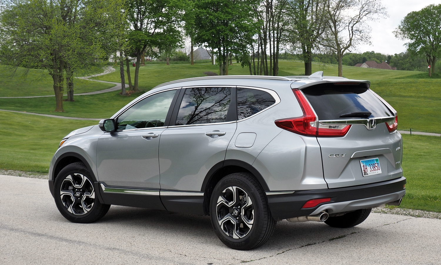 Mazda CX-5 Photos: 2017 Honda CR-V rear quarter