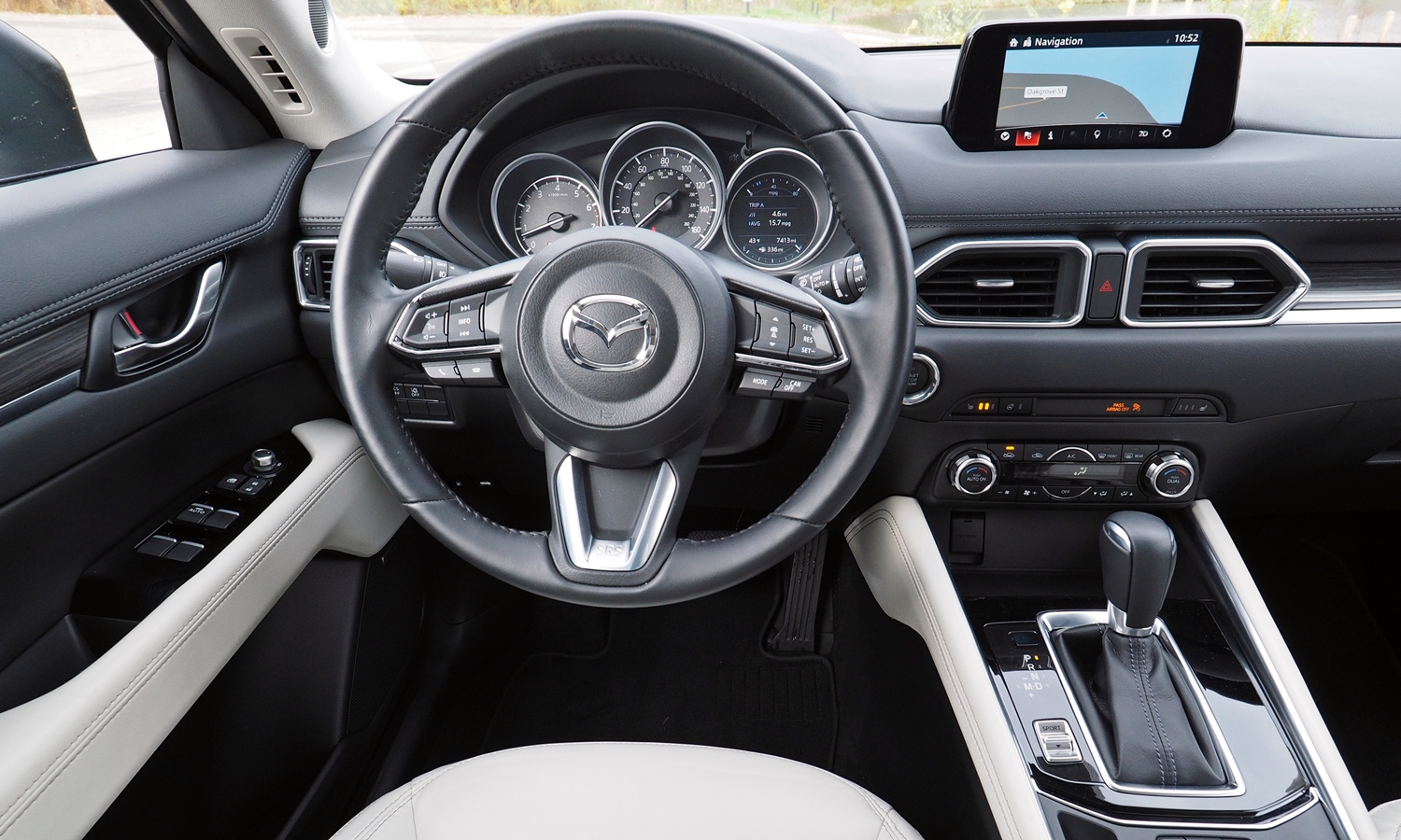 Mazda CX-5 Photos: 2017 Mazda CX-5 instrument panel
