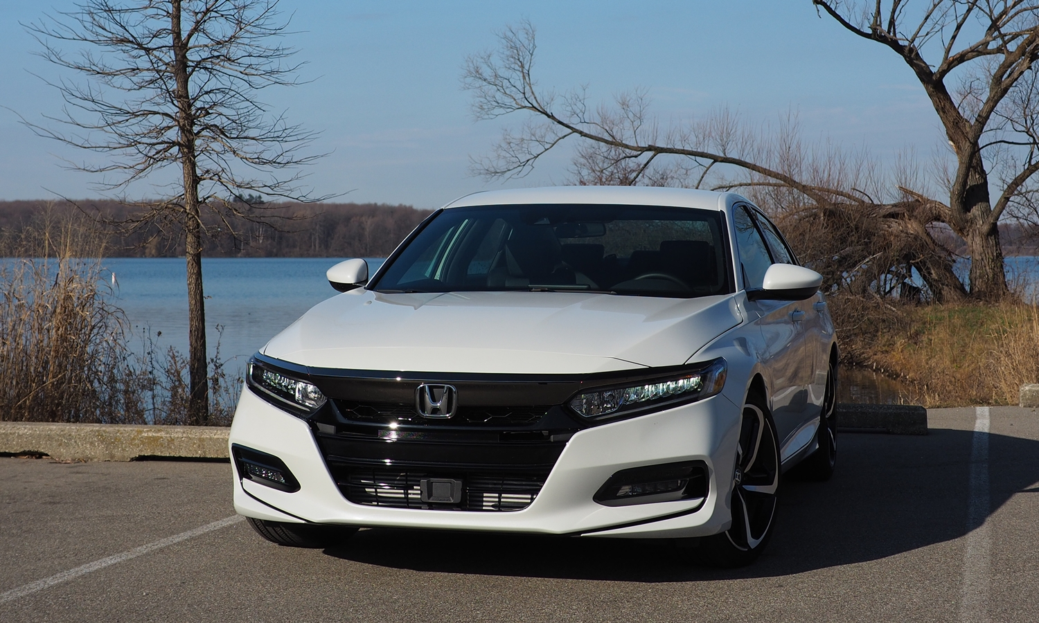 Accord Reviews: 2018 Honda Accord Sport front view