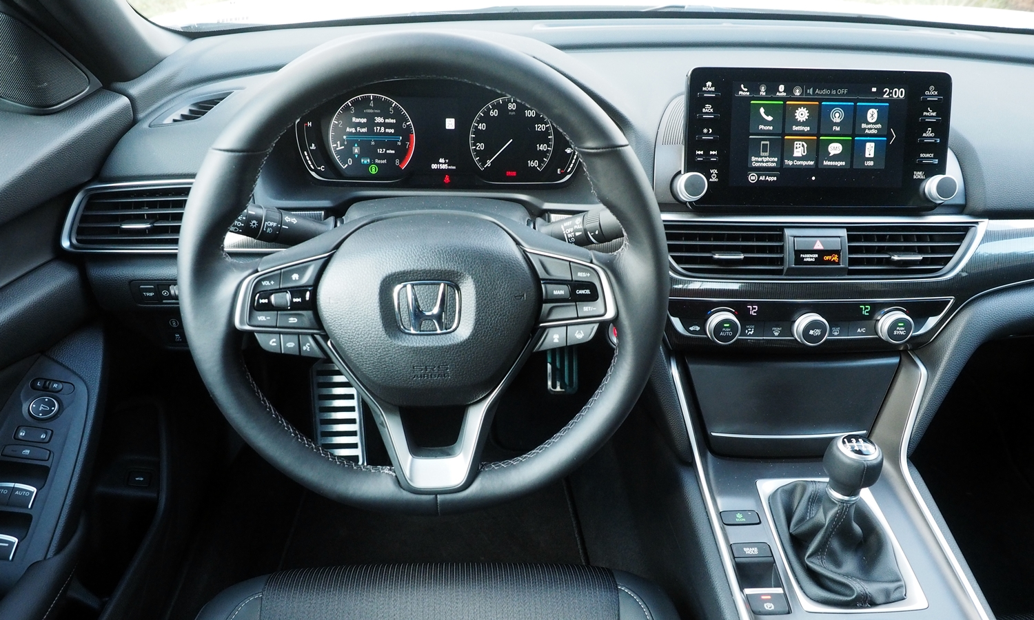 Accord Reviews: 2018 Honda Accord Sport instrument panel