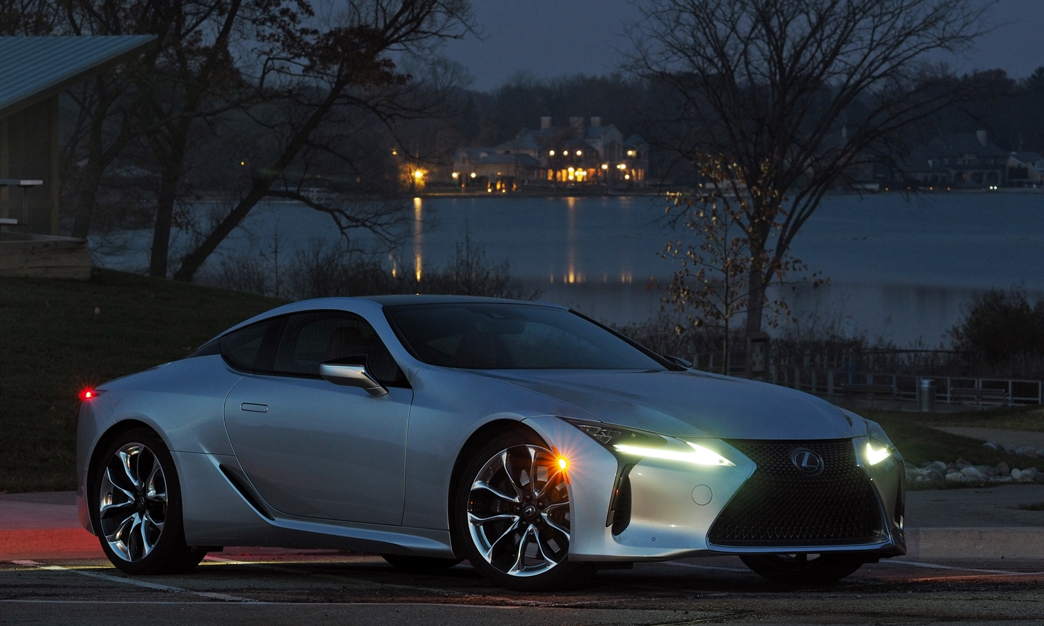 Lexus LC Photos: Lexus LC 500 front quarter view dusk