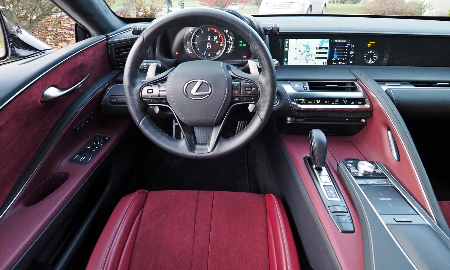Lexus LC Photos: Lexus LC 500 instrument panel