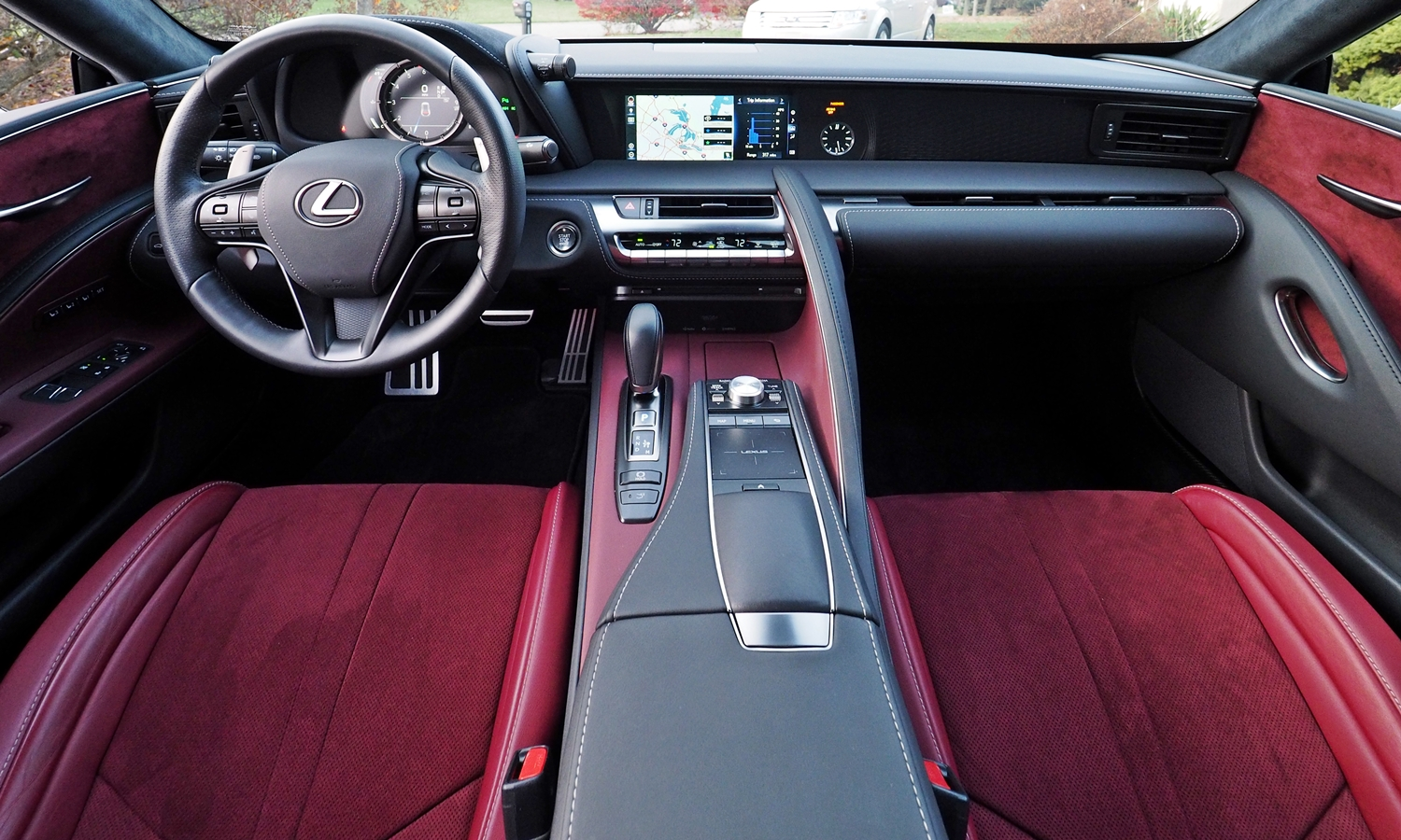Lexus LC Photos: Lexus LC 500 instrument panel full width
