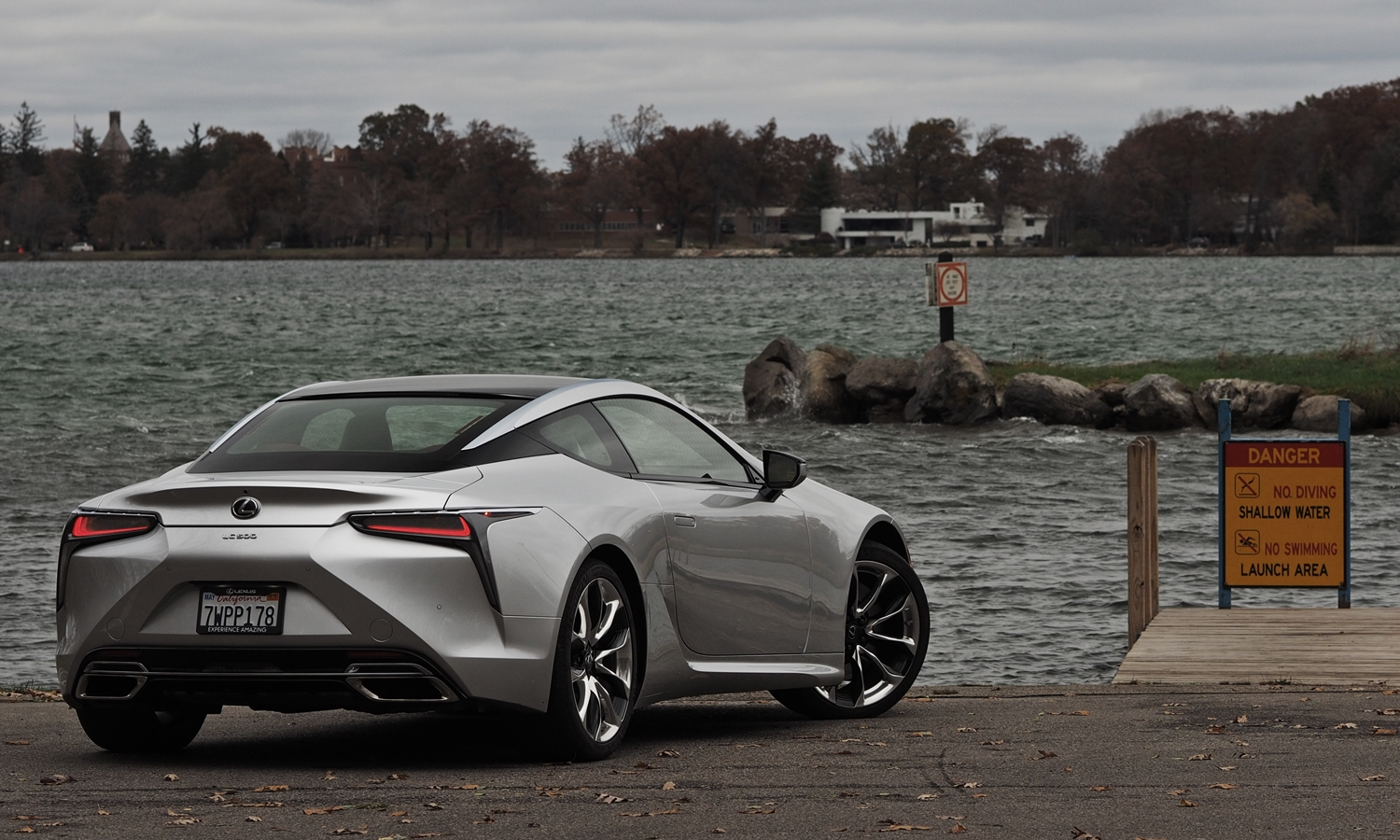 Lexus LC Photos: Lexus LC 500 rear view