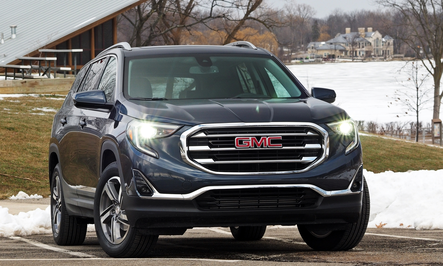 GMC Terrain Photos: 2018 GMC Terrain front view f/8