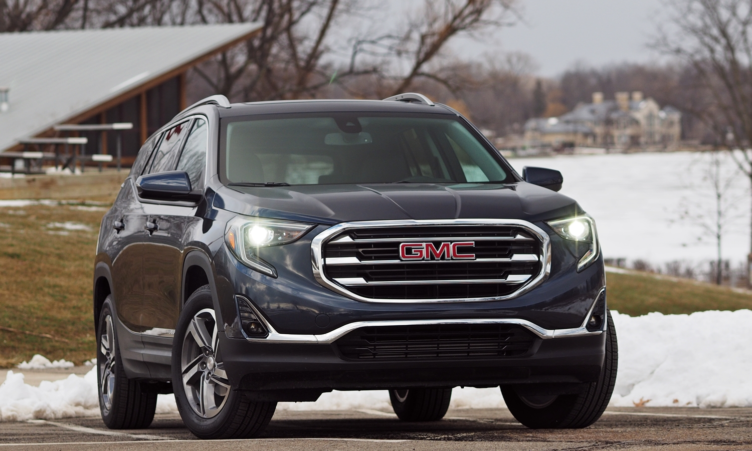GMC Terrain Photos: 2018 GMC Terrain front view f/2.8