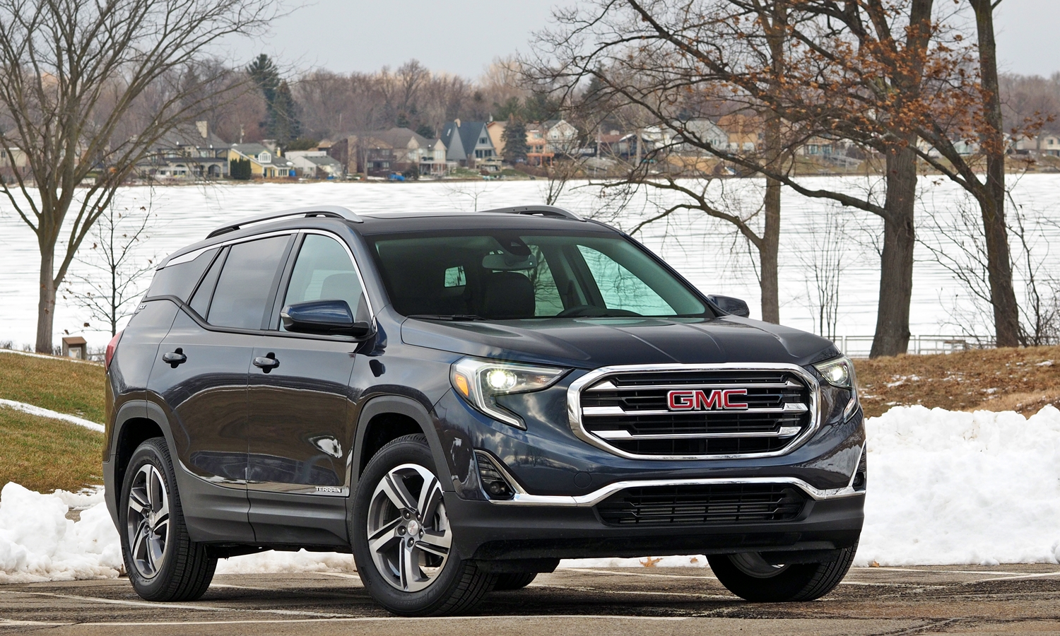 2018 GMC Terrain front quarter view