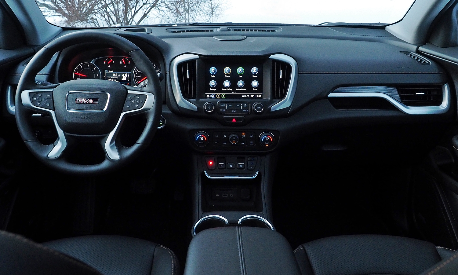 GMC Terrain Photos: 2018 GMC Terrain instrument panel full width