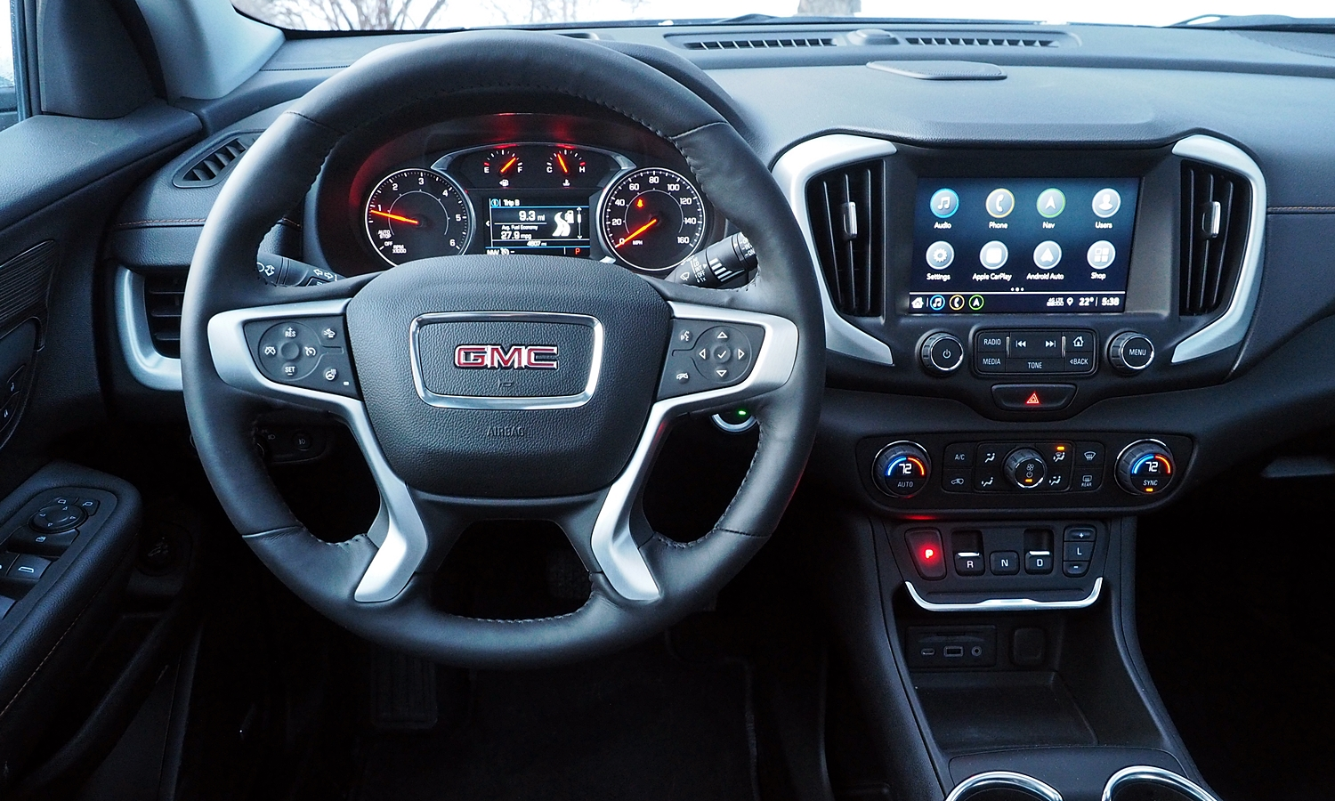 GMC Terrain Photos: 2018 GMC Terrain instrument panel