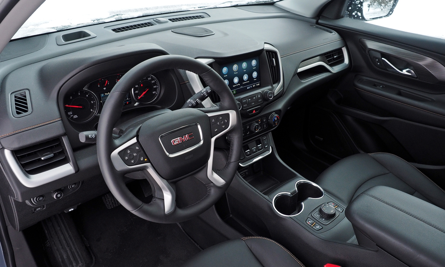GMC Terrain Photos: 2018 GMC Terrain interior