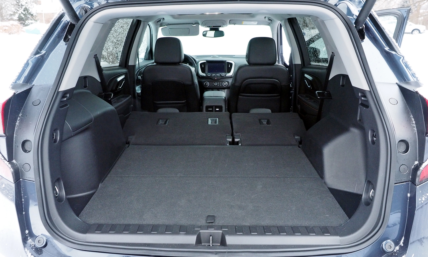 GMC Terrain Photos: 2018 GMC Terrain cargo area second row seat folded