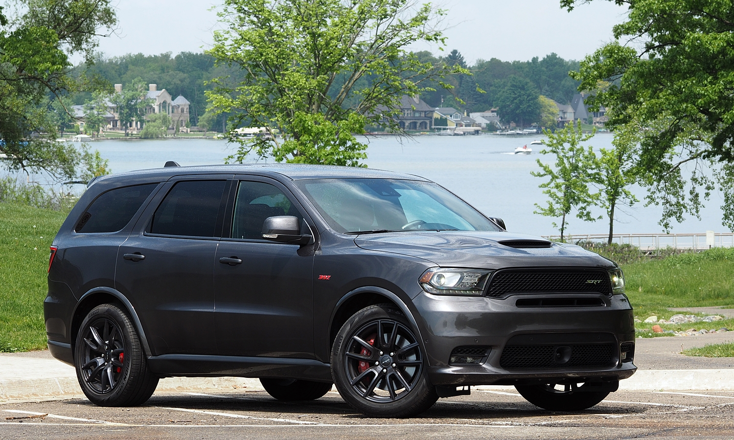 2018 Dodge Durango SRT front quarter view