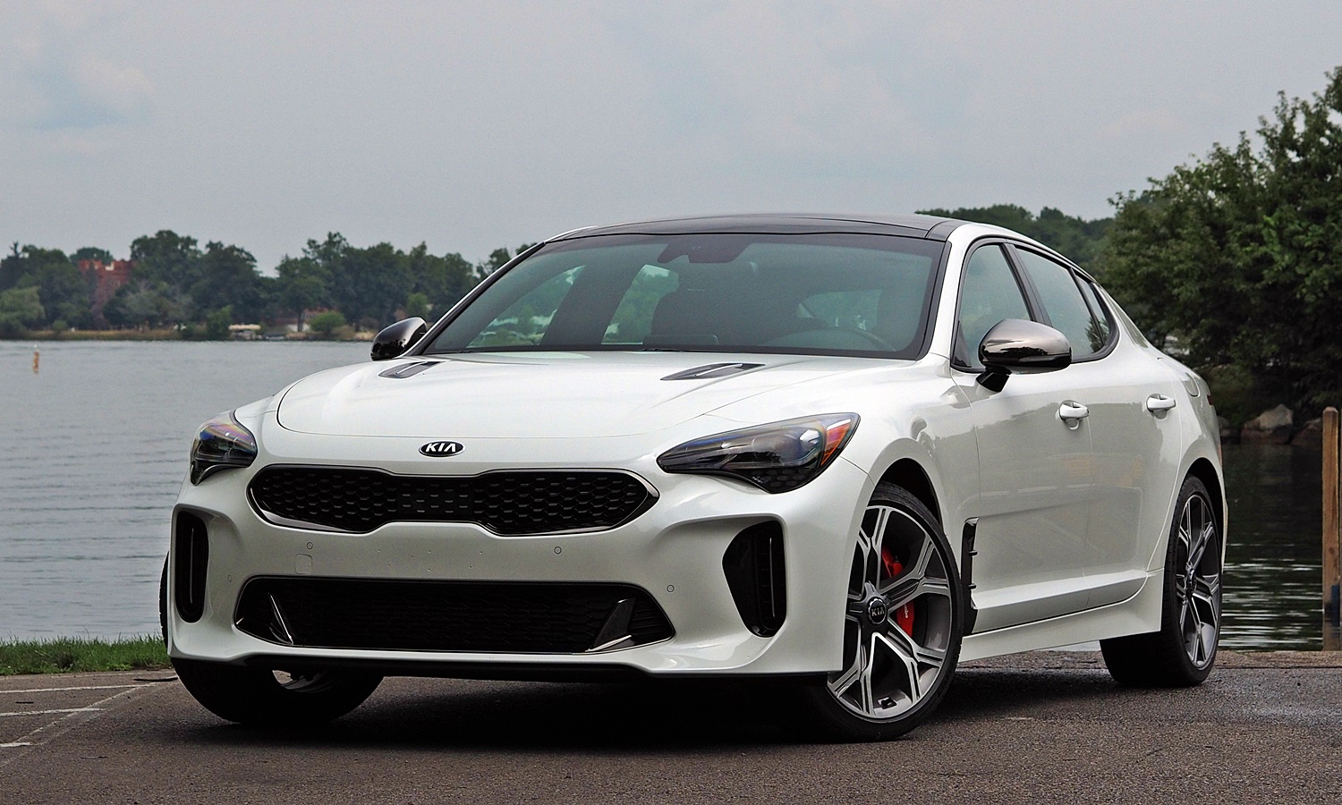 Stinger Reviews: Kia Stinger GT front angle