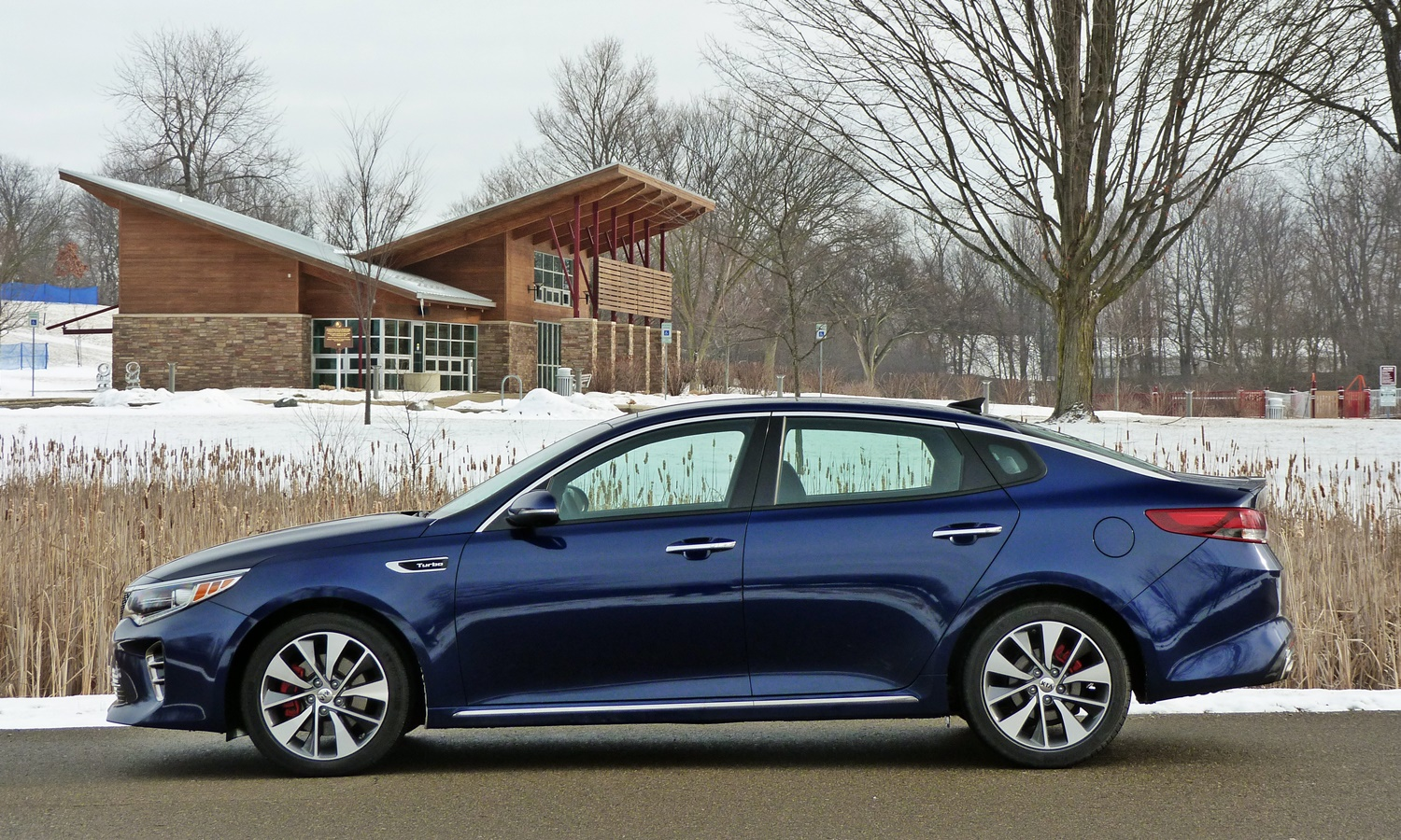 Kia Stinger Photos: Kia Optima side view