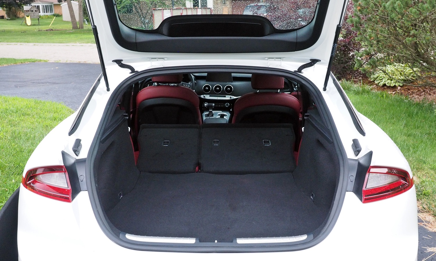 Stinger Reviews: Kia Stinger GT cargo area, seats folded