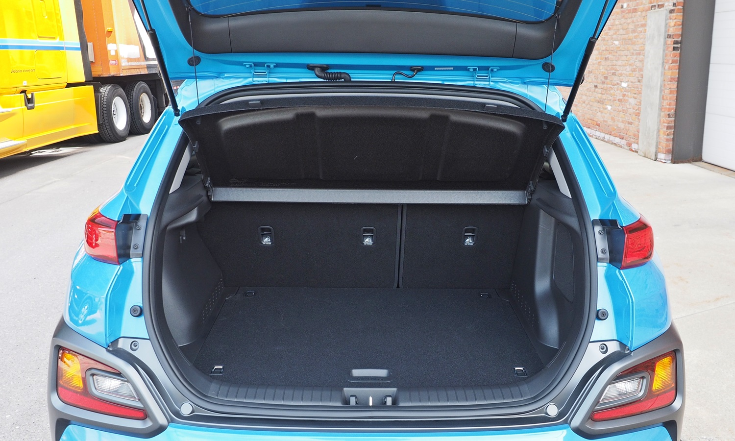 Kona Reviews: 2018 Hyundai Kona cargo area