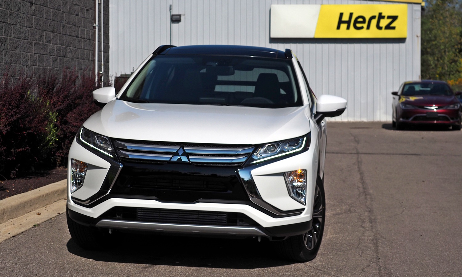 Mitsubishi Eclipse Cross Photos: 2018 Mitsubishi Eclipse Cross front view