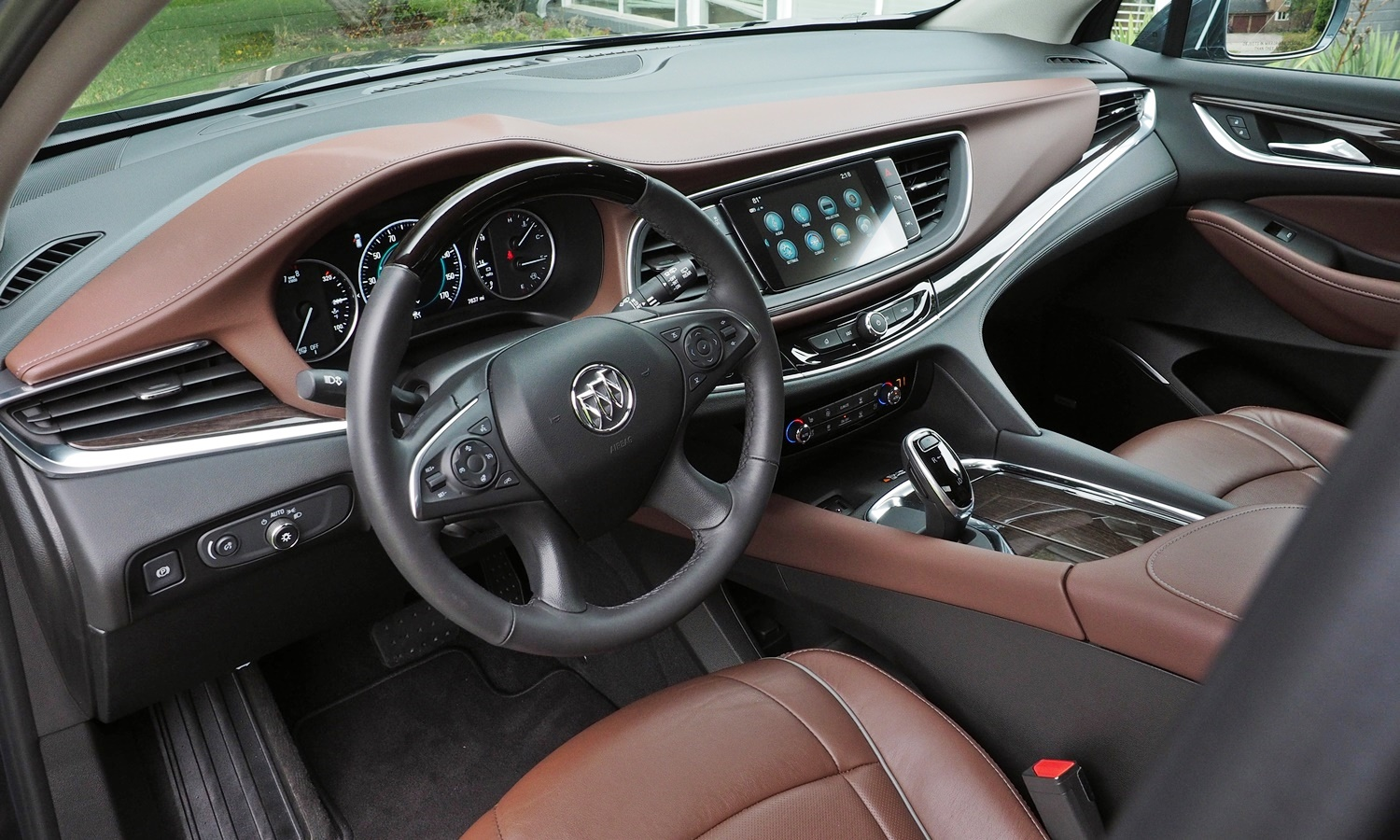 Enclave Reviews: Buick Enclave Avenir interior