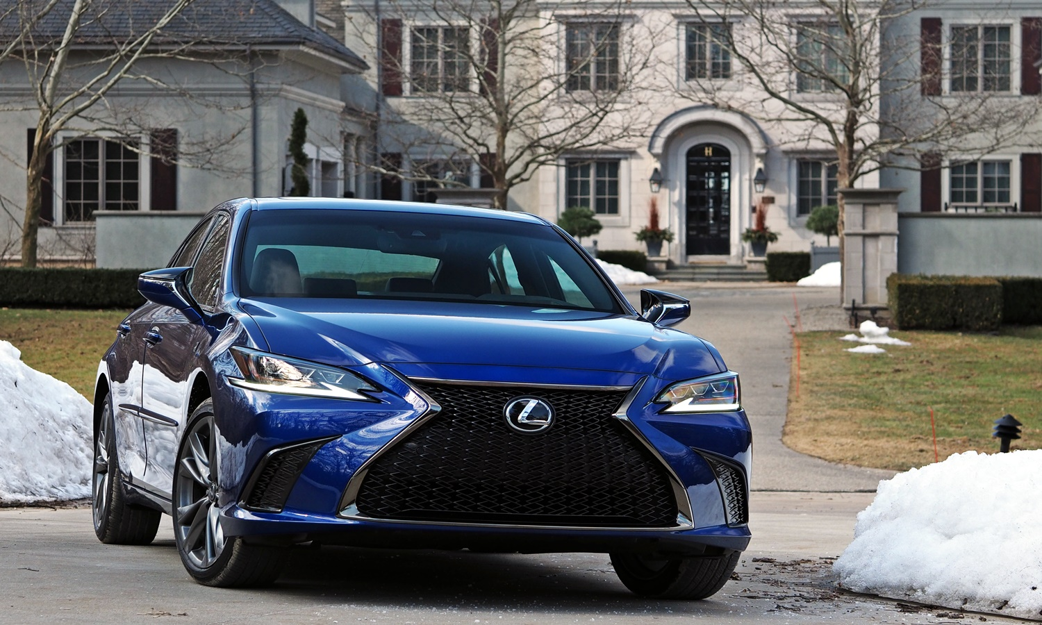 ES Reviews: Lexus ES 350 F Sport front view