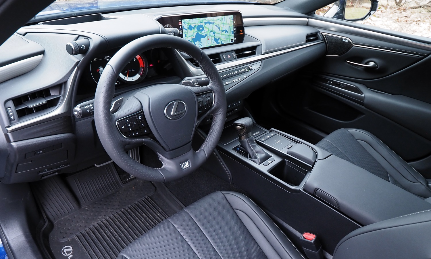 ES Reviews: Lexus ES 350 F Sport interior