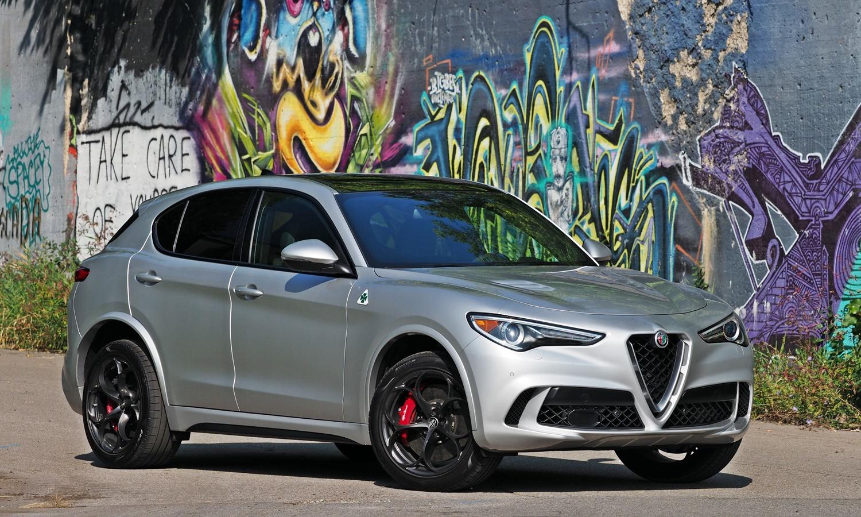 Alfa Romeo Stelvio Quadrifoglio front quarter