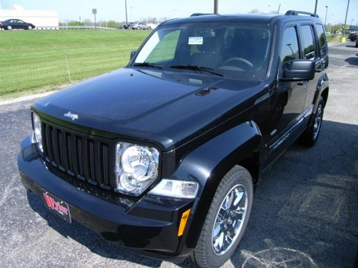 2012 jeep liberty photos car photos truedelta. Black Bedroom Furniture Sets. Home Design Ideas