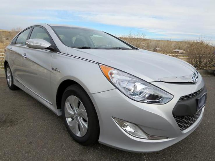 hyundai sonata photos gracie is our 2013 hyundai sonata hybrid love the torque from the. Black Bedroom Furniture Sets. Home Design Ideas