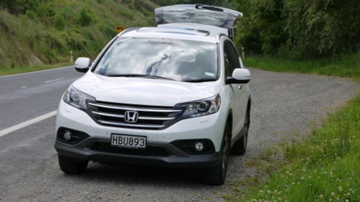 2014 honda cr v photos car photos truedelta for Mazda vs honda reliability