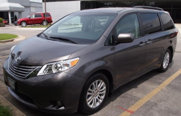 Toyota sienna photos car photos truedelta for 04 toyota sienna sliding door problems